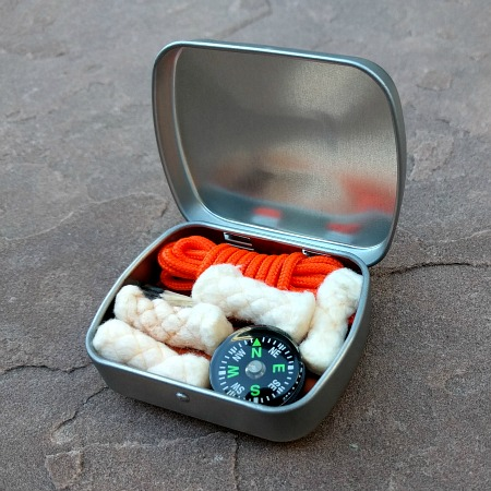 altoids survival kit, fire starter, ten essentials, paracord