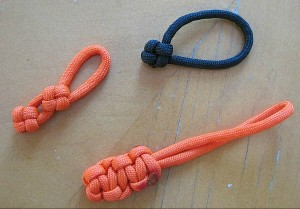 Zipper pulls made out of paracord