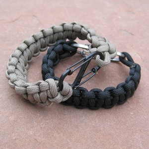 Paracord braclets with nite ize s-biner closure