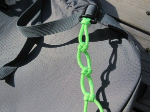 Several paracord cross knots on the waist strap
