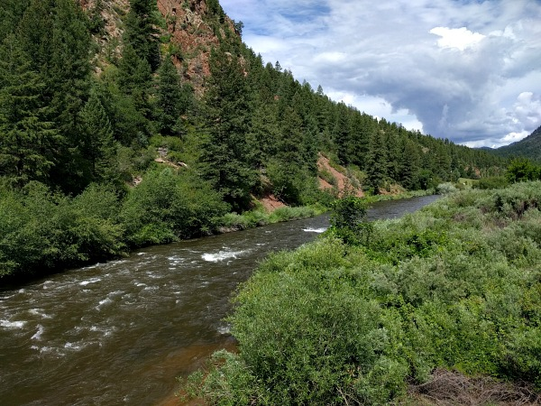 A warm day along the South Platte River